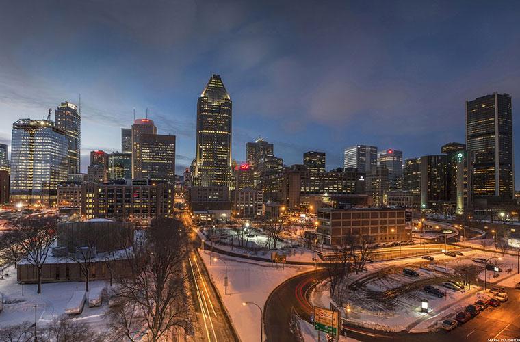 Vue de la ville de Montréal de soir l'hiver